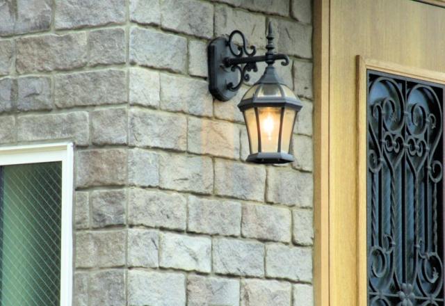 玄関 人感センサ付ポーチライト設置工事